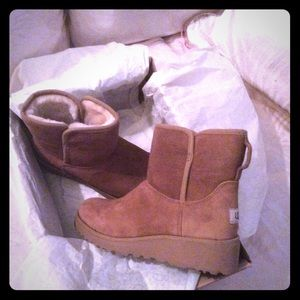 Ugg Authentic Kristen Wedge boot size 5